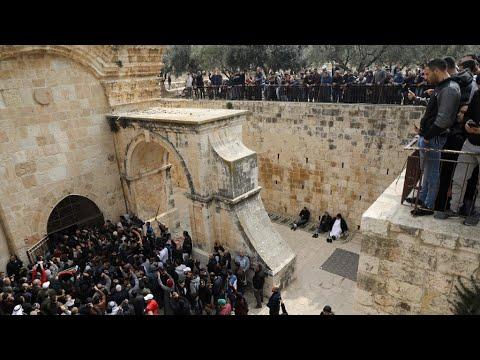 إسرائيل تعتقل عشرات الفلسطينيين في القدس  - نشر قبل 2 ساعة