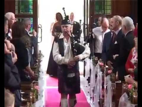 Irish wedding bagpiper Sean Kelly She Moved Through the Fair bagpipes dublin