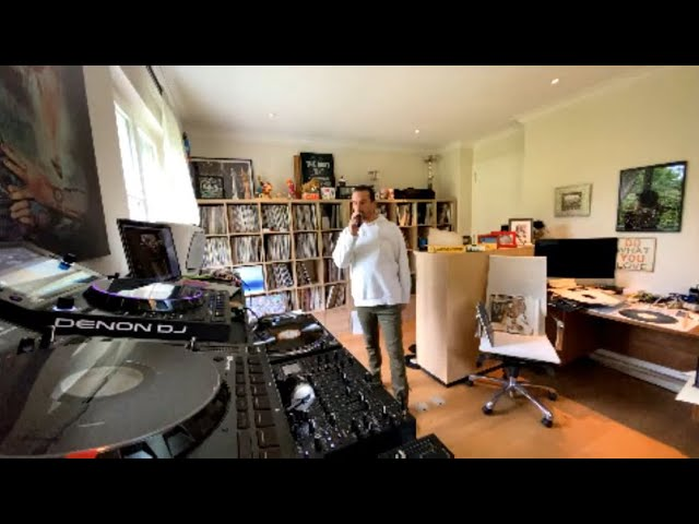 Luciano Living Room Session Part.40  in collab with Dune Tv & Roland (02.05.2020)