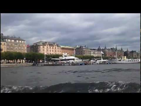 Hop-on Hop-off boat Stockholm sightseeing roundtrip