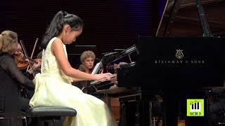 Ariya Laothitipong  (1st prize winner) Gala Concert perform Haydn Klavierkonzert D-Dur