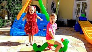Diana y Roma discuten por los juguetes