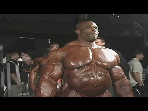 Ronnie Coleman pumping
