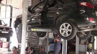 Замена катализатора на авто Volkswagen Sharan.Замена катализатора в СПБ.Установка пламегасителя(Замена катализатора на Volkswagen Sharan.Замена катализатора на пламегаситель.Замена катализатора и ремонт ..., 2013-08-18T23:33:02.000Z)