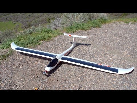 2.6M FPV Glider with Solar Cells on Wing