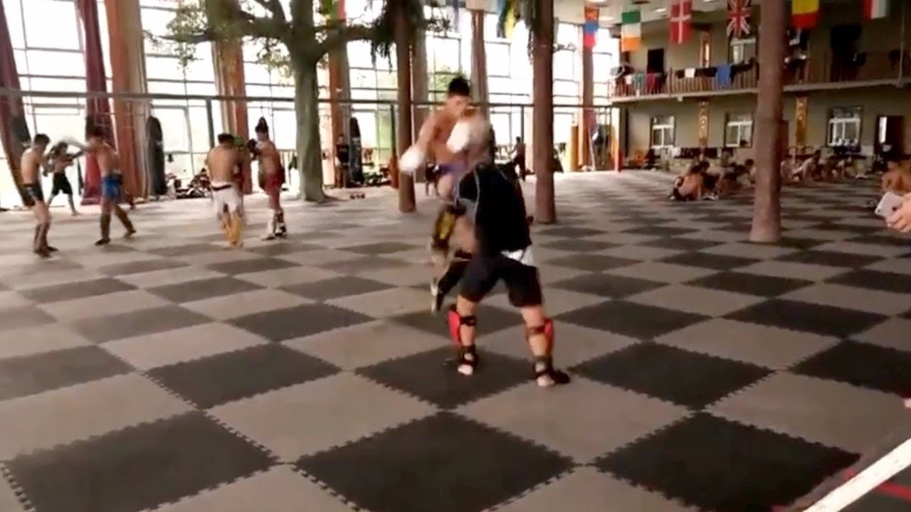 Xu Xiaodong Gets Destroyed By Muay Thai Kickboxer