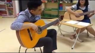 Lớp dạy học Guitar - Trung tâm tài năng Pink Cloud