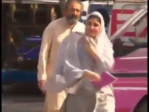 New video of Ayesha Gulalai show off her asset and private-2017