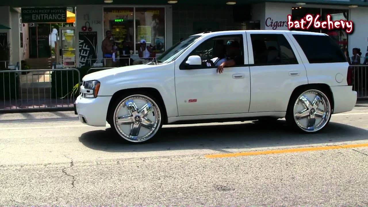 "White Chevy Blazer SS lowered on 26"" DUB Felon Floaters ..."