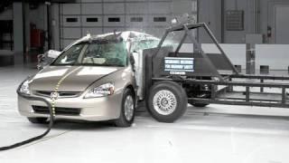 2004 Honda Accord side IIHS crash test