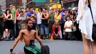 невероятный танец уличного танцора в париже  видео