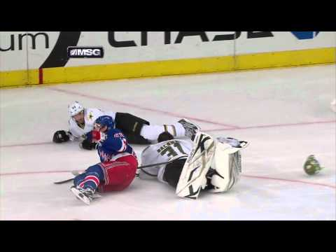 Carl Hagelin Charging Penalty - Stars @ Rangers - 12/13/2011