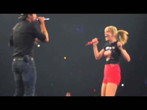 "Taylor Swift and Luke Bryan sing ""I Don't Want This Night to End"""