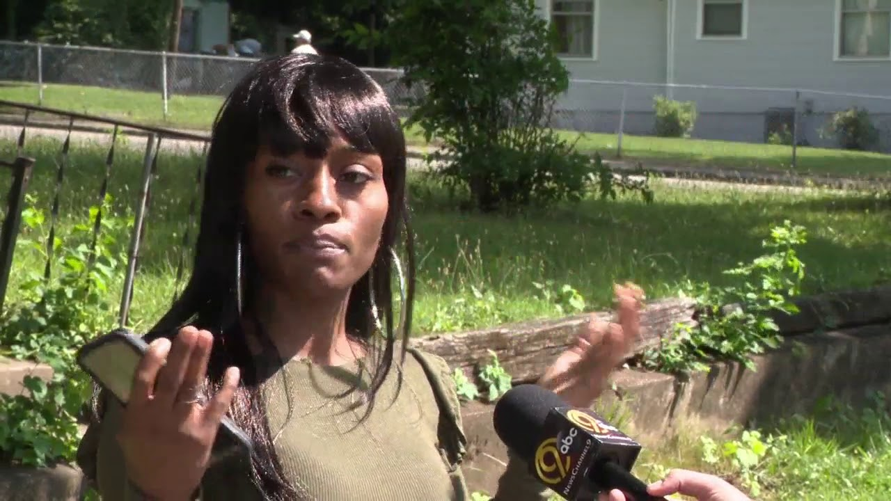 Chattanooga mother witnesses her child almost get hit by a car