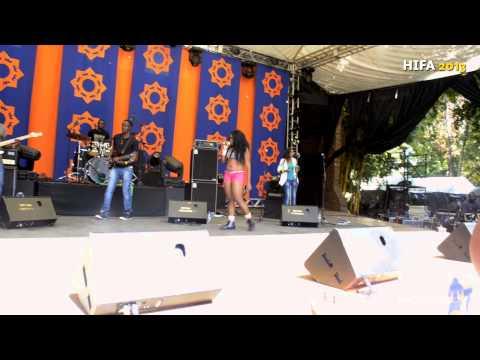 Mampi - Walilowelela (Live in Zimbabwe)