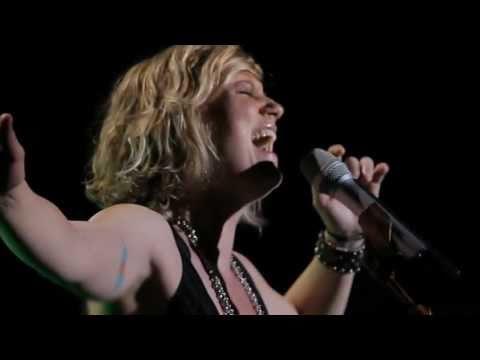"Sugarland: ""Tonight"" [live]"