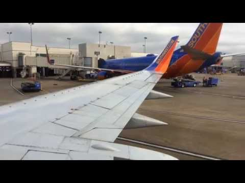 Southwest Airlines Boeing 737-300 Takeoff from Nashville International Airport