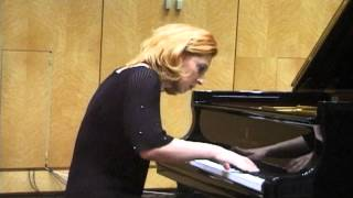 Eleni Hallecker plays L.V. Beethoven