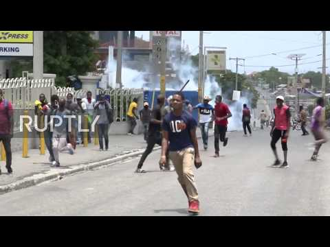 Haiti: Clashes as protesters denounce government's COVID response in Port-au-Prince