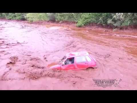 Brumadinho MG: Carro encontrado na lama no meio do rio. Tragédia em Brumadinho.