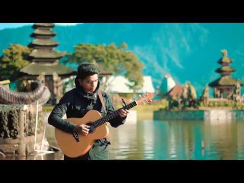 Vicki Zhao - Hao Xiang Hao  Xiang (cover) Fingerstyle Guitar  Ost Kabut Cinta