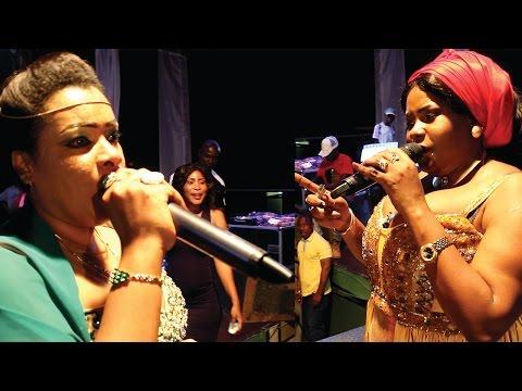 Isha Mashauzi na Leyla Rashid Walivyotambiana Jukwaani Dar Live