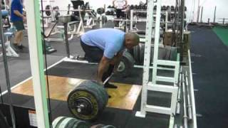 Mike Deadlifts 518x1