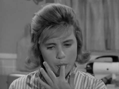 The Patty Duke  S1E21 Let Em Eat Cake