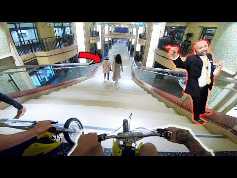 DIRT BIKE'S IN HOLLYWOOD MALL! (DOWN THE STAIRS)