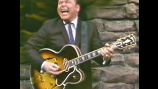Bringbackmyyesterday and dee & friends share a seldom-seen, electrifying performance by the great roy clark with guitar solo! roy's instrumental on gibson...