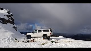Huge lifted Ford Excursion, Snow Run!