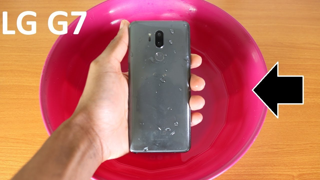 best loved 4c36b f35d7 LG G7 Water Test - Is It Water Resistant?