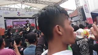 Download lagu Five Minutes - Trauma.  Live Cirebon