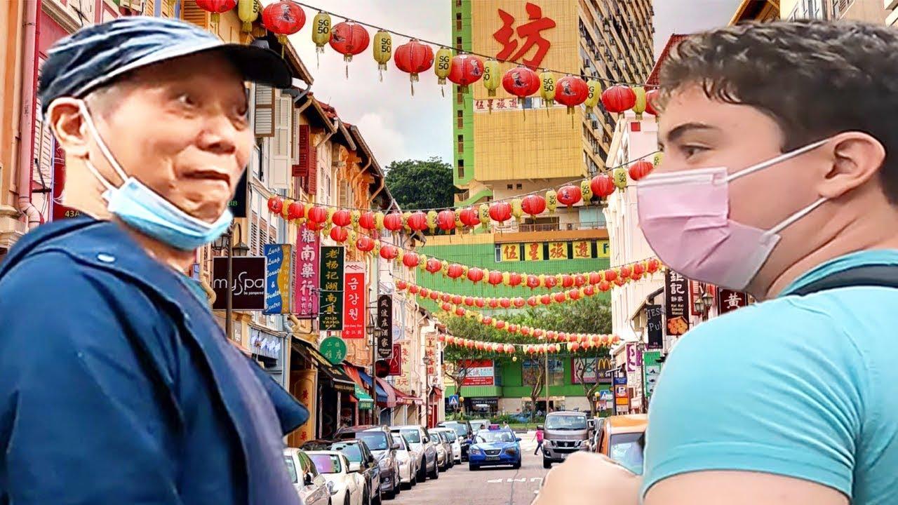Turista estadounidense sorprende a abuelo chino con su mandarín fluido