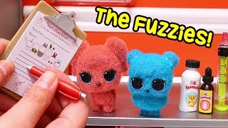LOL Dolls The Fuzzies Outbreak ! SWTAD Pretend Play with Toys for Kids and Opening Blind Bags