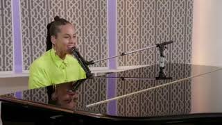 Alicia Keys - Superwoman live #KeysSoulcare