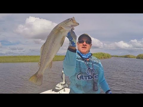 FOX Sports Outdoors SouthEAST #35 - 2017 Sabine Lake Speckled Trout Fishing