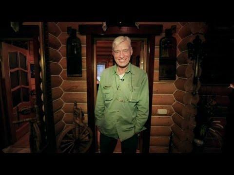 Где живут знаменитости: дом Бориса Щербакова из сосны