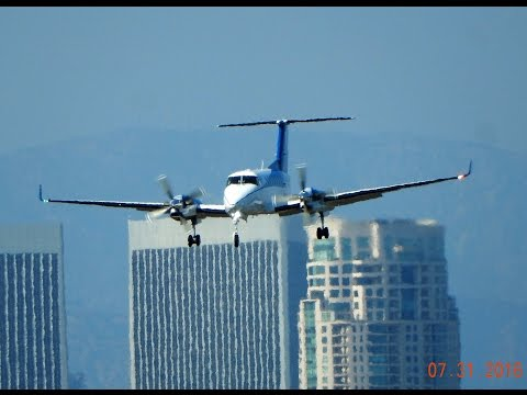 Propeller Airplane Spotting at Santa Monica Airport (KSMO) California