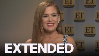 Isla Fisher Talks Kissing Snoop Dogg In 'The Beach Bum' | EXTENDED