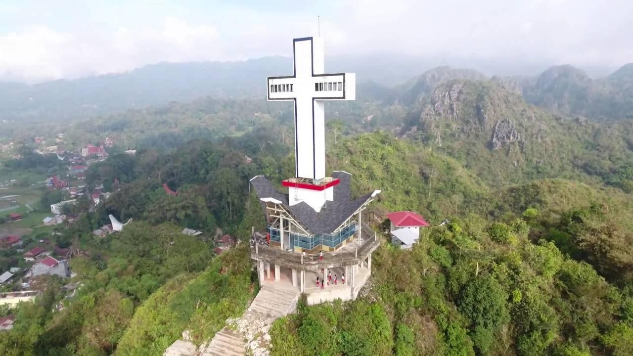 Patung Salib, Toraja Utara (Building Cross at North Toraja