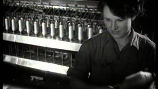 """""""While you are sleeping"""" / Kiedy ty spisz (1952) - Andrzej Wajda"""