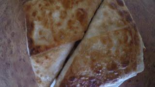 Конвертики из лаваша с ветчиной и сыром.