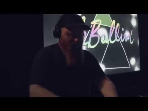 Ole Ballin' Room with Skatebård