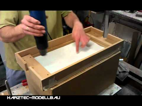 mini springer tug rumpf aus polystyrol tiefziehen youtube. Black Bedroom Furniture Sets. Home Design Ideas