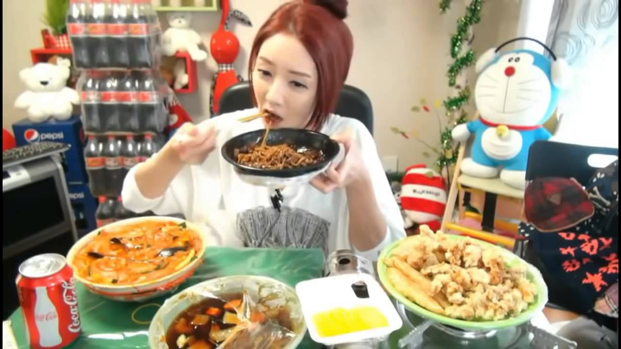Opinion girl eating food are certainly