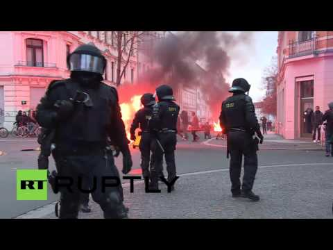 Germany: Water cannon deployed at fiery Leipzig protest against far-right demos