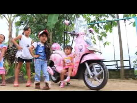Lagu Buat Anak Boneka Hello Kitty