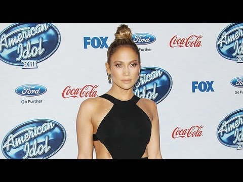 Jennifer Lopez Looks Super Sexy in Her LBD! | Fashion Flash