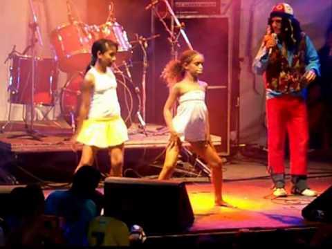 Concurso para danças melhor das crianças-Carnaval 2011